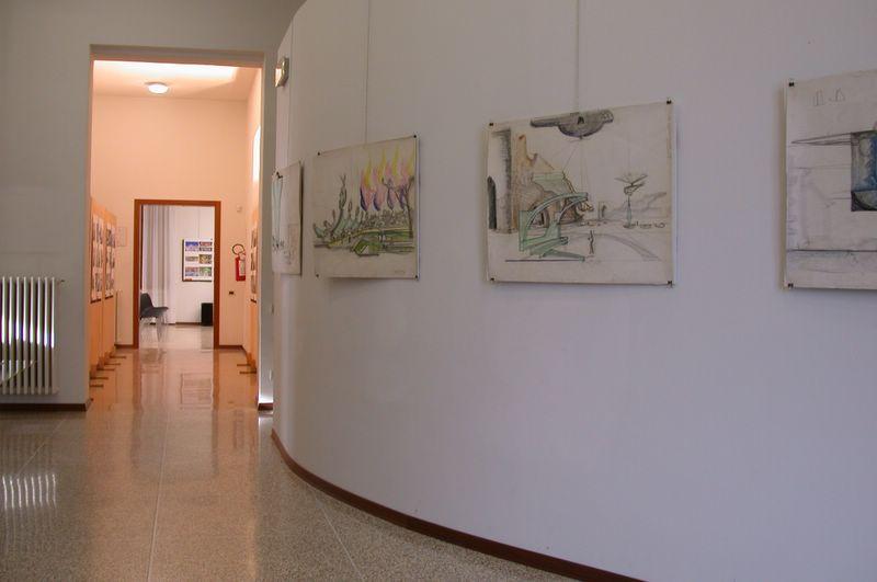Ingresso alla mostra con disegni originali di Luigi Pellegrin